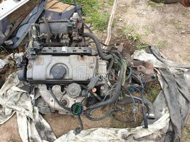 motor 1.1  novi tip za Citroen Saxo od 2001. do 2003. god.