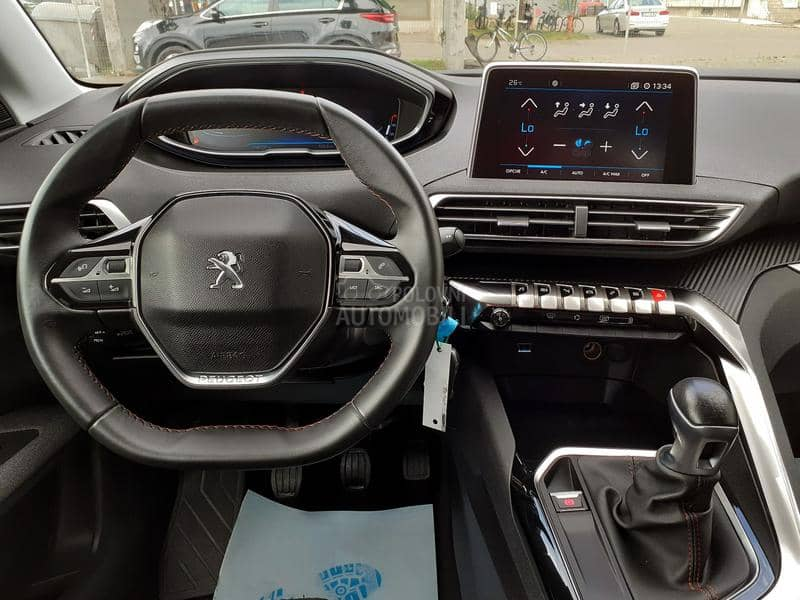 Peugeot 3008 1.6BlueHDI Business